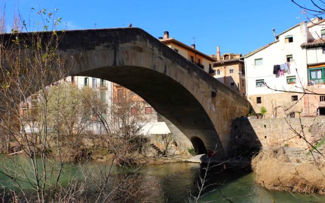 Puente de la Cárcel en Estella - Destino y Sabor
