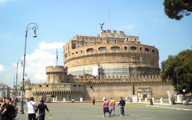 Castelo di Sant'Angelo junto al Vaticano - Destino y Sabor