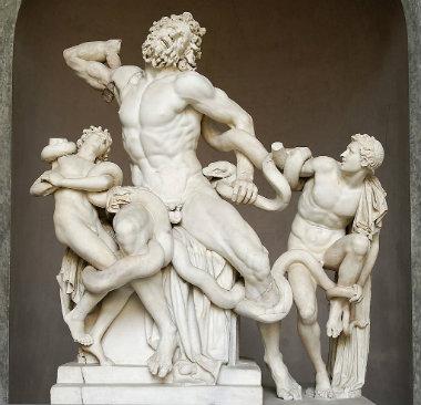 Laocoonte y sus hijos en el Museo Pío Clementino - Destino y Sabor