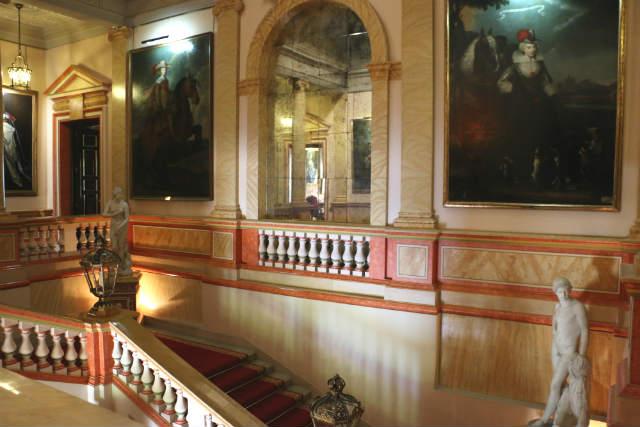 Escaleras del Palacio de Liria - Destino y Sabor