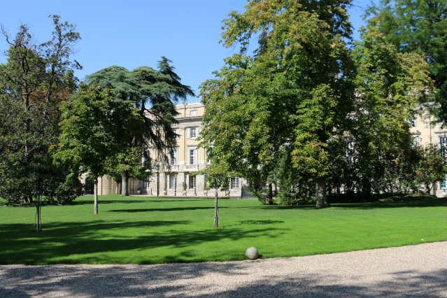 Jardines exteriores del Palacio de Liria - Destino y Sabor