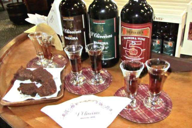 Cata de vinos de Madeira en Quinta D`Oliveiras - Imagen de Madeira Para Viajeros