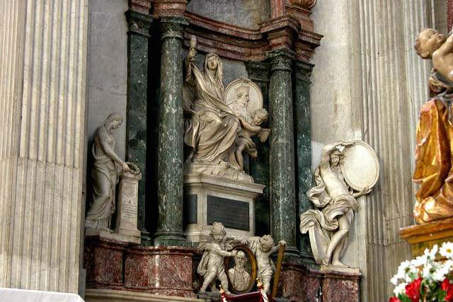 Conjunto escultórico en el interior de la iglesia de San Giovanni dei Fiorentini
