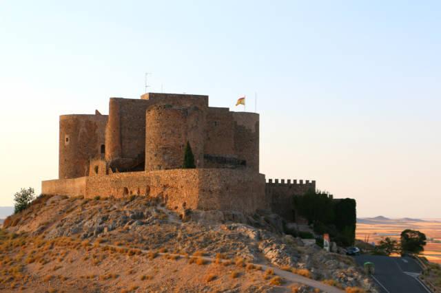 Castillo de la mota de Consuegra - Destino y Sabor