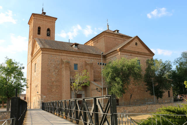 Iglesia de San Juan Bautista de Consuegra - Destino y Sabor