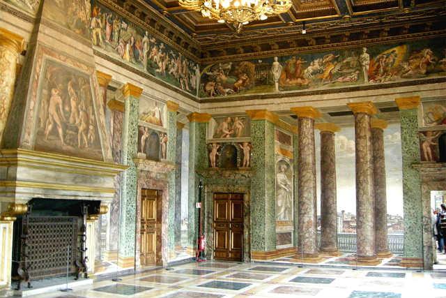 Interior del Palazzo Villa Farnesina - Imagen de RutaCultural