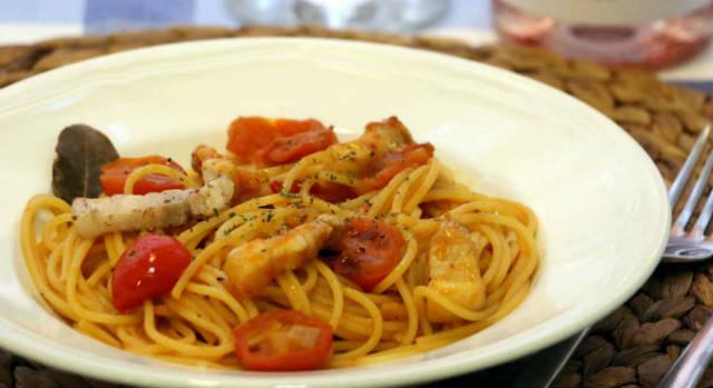 Spaghetti all'Amatriciana - Imagen de A Tavola con il Conte