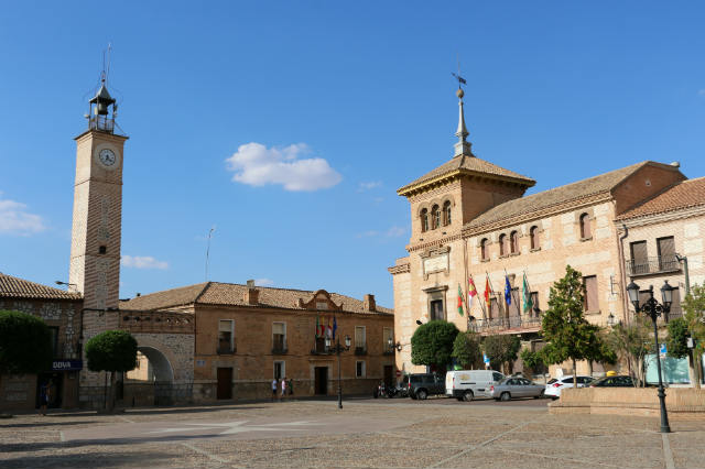 Plaza de España de Consuegra - Destino y Sabor
