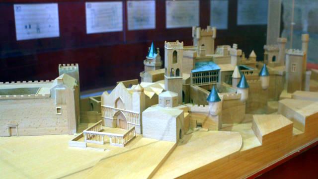 Maqueta de la rehabilitación del castillo de Olite - Destino y Sabor