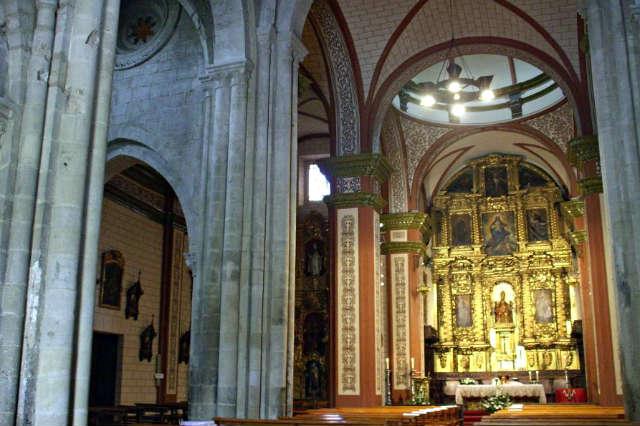 Interior de la Iglesia de San Pedro de Olite - Imagen de JDiezArnal