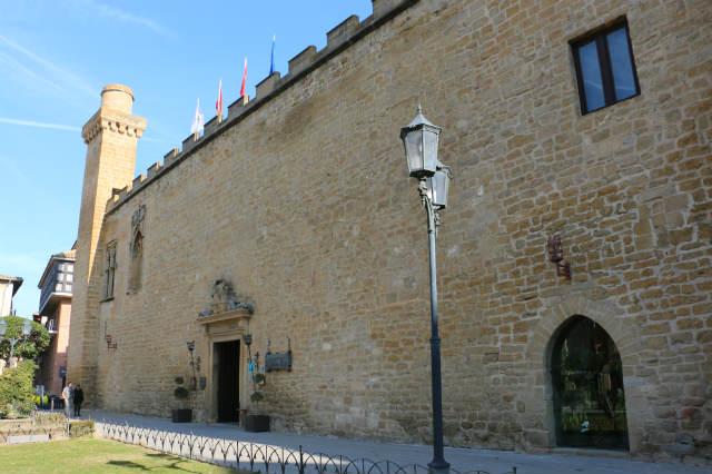 Palacio viejo de Olite, actualmente Parador Nacional de Turismo - Destino y Sabor