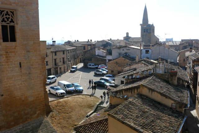 Vistas de Olite desde el Castillo y al fondo la punta de San Pedro - Destino y Sabor