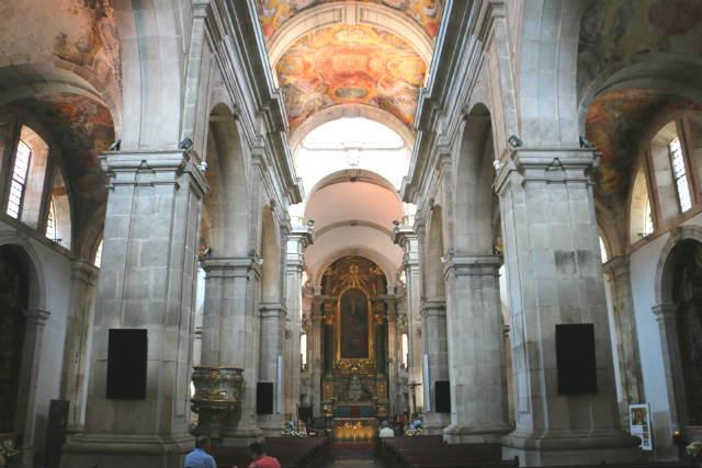 Interior impresionante de la Sé de Lamego - Destino y Sabor