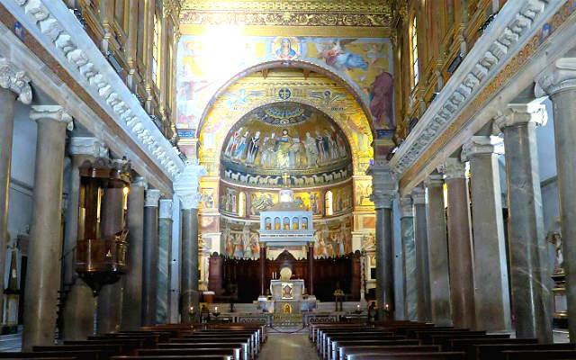 Interior de la basílica de Santa María en Trastévere - Imagen de Roma Art Lover