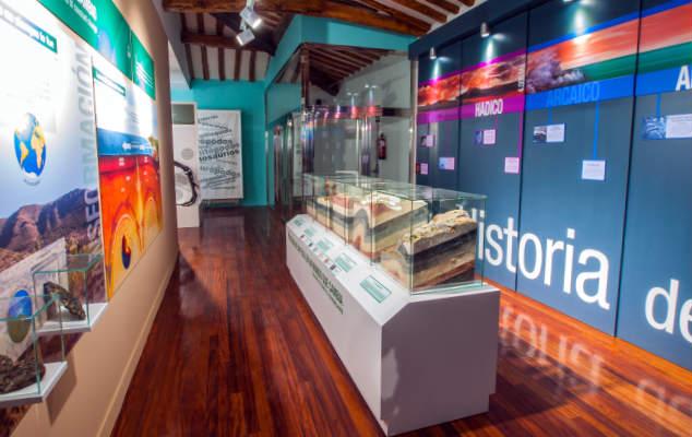Interior del Centro Paleontológico de Enciso - Imagen de Turismo La Rioja