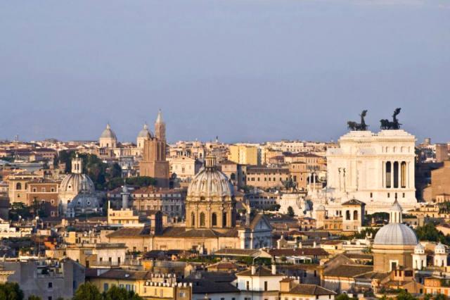 Vistas panorámicas de Roma desde el Monte Gianicolo - Imagen de Roma en primavera