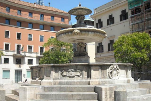 Fuente monumental en la Piazza Mastai - Imagen de Wikipedia