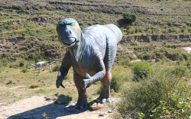 Modelo de un Iguanodon - Destino y Sabor
