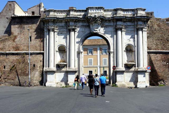 Porta Portese de Rome on Rome