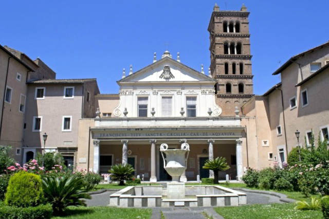 Fachada de Santa Cecilia en Trastévere - Imagen de ViajaraRoma
