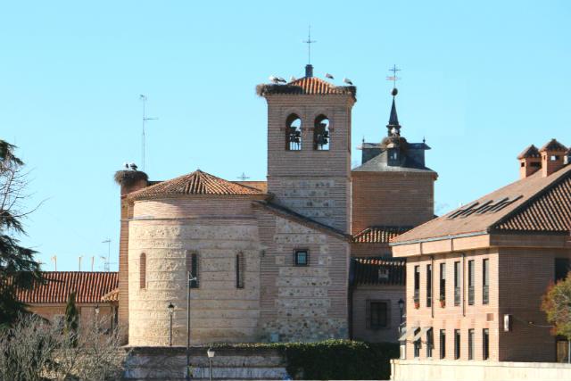 Ábside de la Iglesia de Santiago de Boadilla del Monte - Destino y Sabor