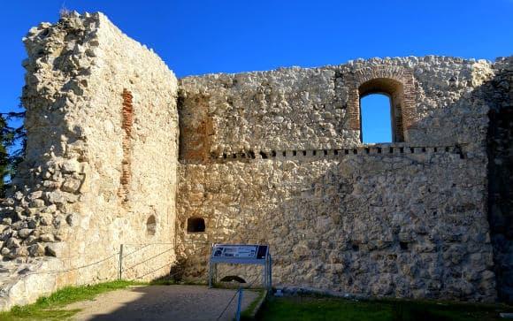 Interior del Castillo de Barajas - Destino y Sabor