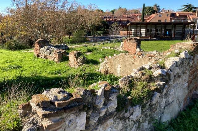 Restos de la antigua casa de guardia - Destino y Sabor