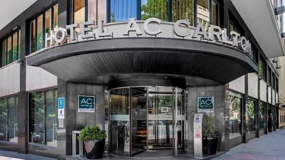 Entrada al hotel AC Carlton - Imagen del Hotel