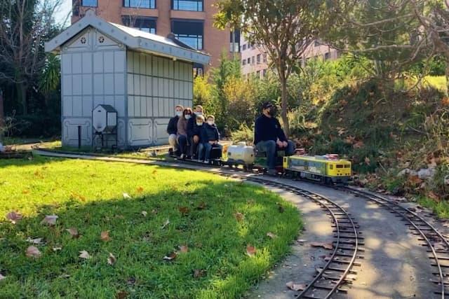 Tren en el jardín - Destino y Sabor