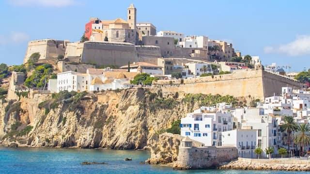 Dalt Vila desde el Puerto - Imagen de Ibiza House Renting