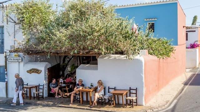 Exterior de Casa Anita de San Carlos de Ibiza - Imagen de Ibiza-Sportlight