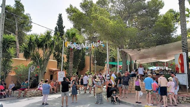 Mercadillo hippie de Punta Arabi - Imagen de Ibizaisla