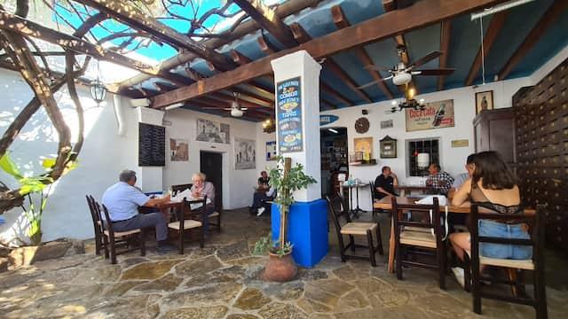 Patio de Casa Anita - Imagen de Ibizaplus