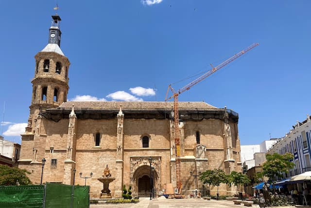 Iglesia de Nuestra Señora de la Asunción de Valdepeñas - Destino y Sabor