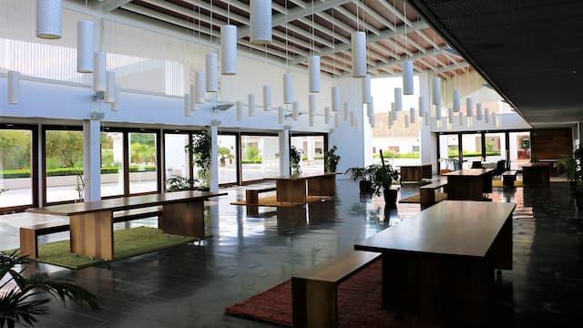 Interior del restaurante nuevo y zona de eventos de Bodegas Real - Destino y Sabor