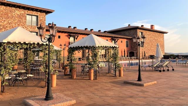 Terraza con vistas al valle del Hotel La Caminera - Destino y Sabor